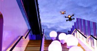 Drohnenflug bei Sonnenuntergang auf der Aida